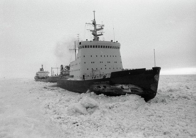 """""""马卡罗夫海军上将""""号破冰船"""