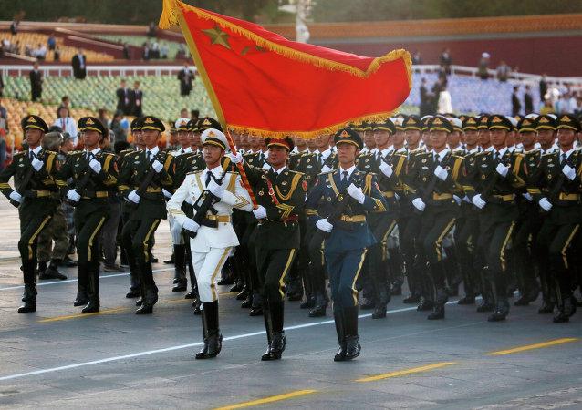 专家:中国宣布军队裁员是为了表示和平的意愿