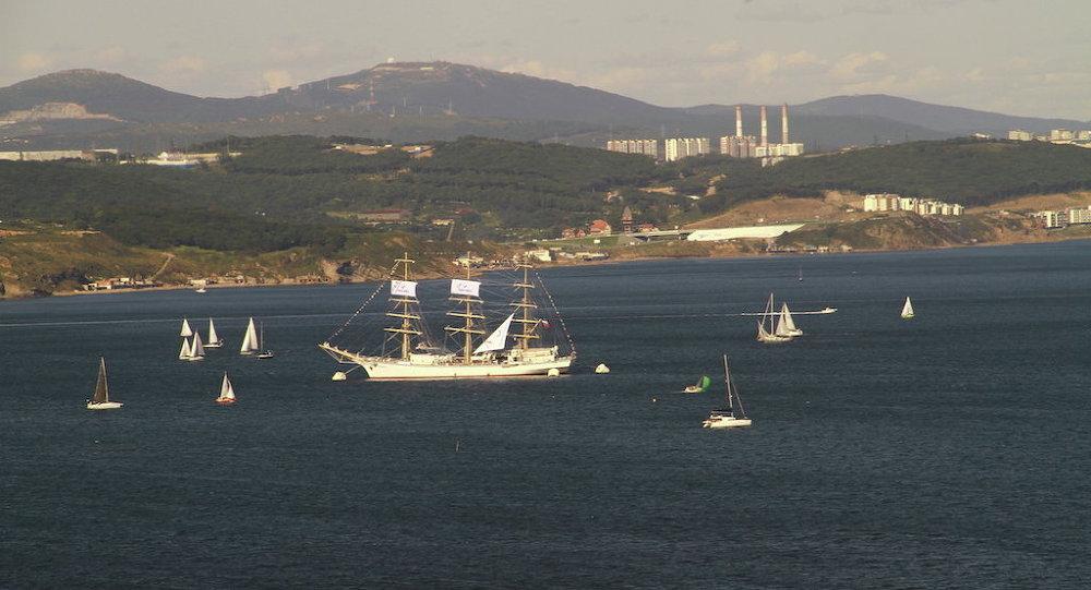 东方经济论坛框架内的帆船赛