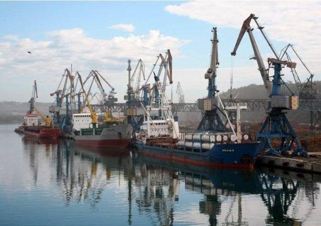 俄港口瓦尼诺