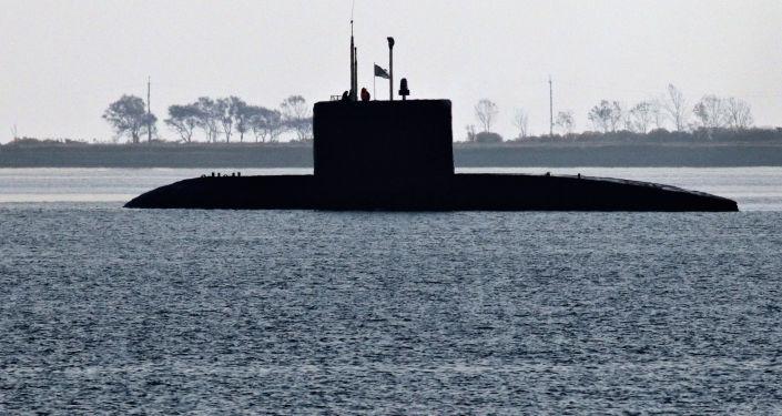 """""""华沙女人""""级潜艇"""