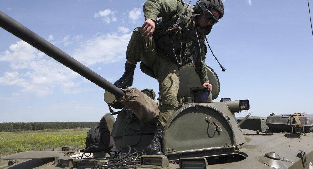 俄防长称,中部军区部队开启突击战备检查。