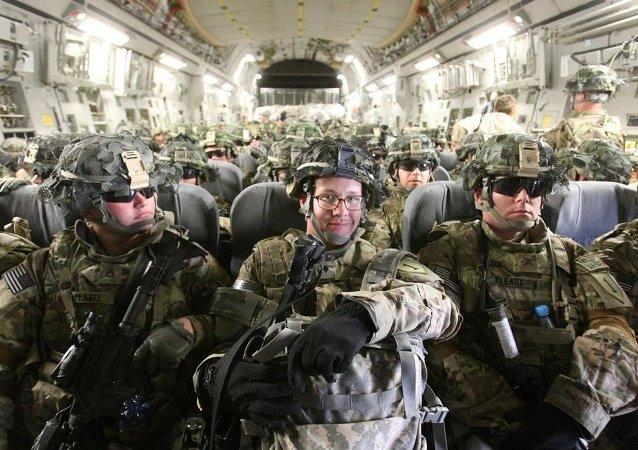 美国总统奥巴马有意让驻阿富汗美军人数在2016年年底前保持在9800人