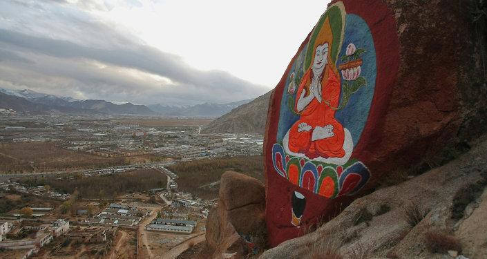 中國拉薩舉行西藏自治區成立50週年慶祝大會