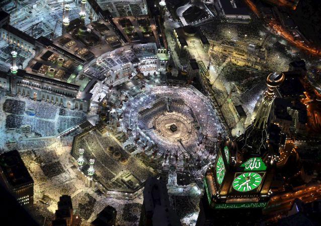 麦加大清真寺吊车倒塌造成60余人死亡