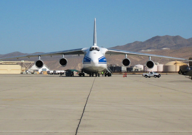俄罗斯安-124飞机