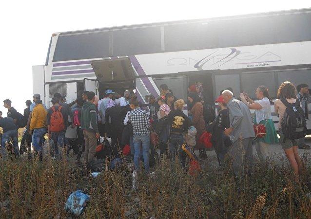 欧盟下周开始向土耳其拨款30亿欧元接收难民