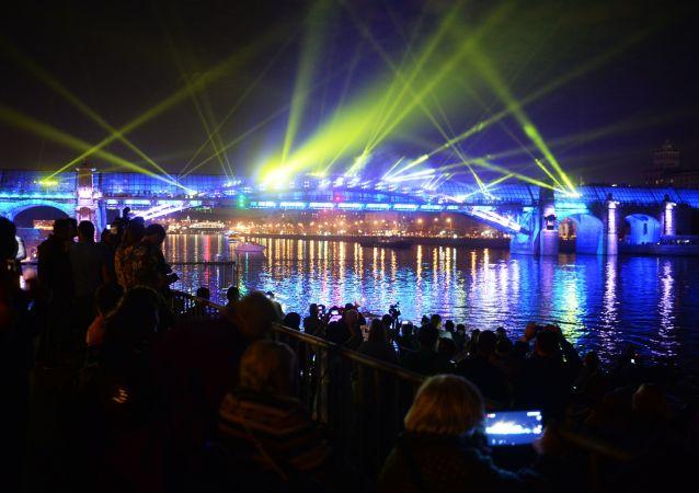 «光圈»是莫斯科的印象节日