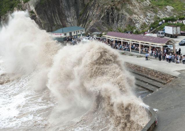颱風「彩虹」襲擊中國南方,4人死亡80人受傷