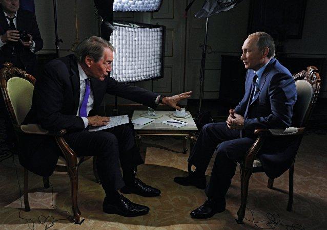 """普京:""""伊斯兰国""""等恐怖分子的兽行是叙利亚难民逃难的主要原因"""