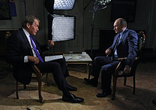 普京:俄罗斯主张乌冲突双方全面无条件履行明斯克协议