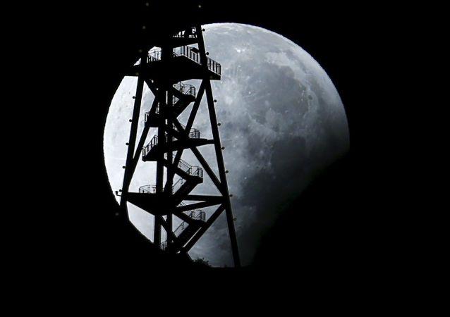 俄航天集团:俄美商定联合金砖国家在月球轨道建新空间站