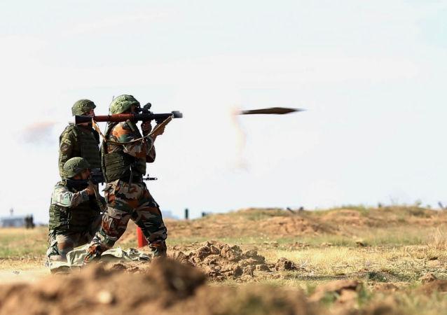 """俄印将在11月7日至20日在拉贾斯坦邦举行""""因德拉-2015"""" 军演"""