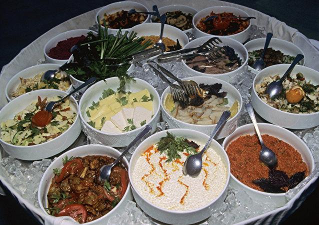 联大会议国家领导人的菜单中主要有小牛肉、里脊和鹅肝