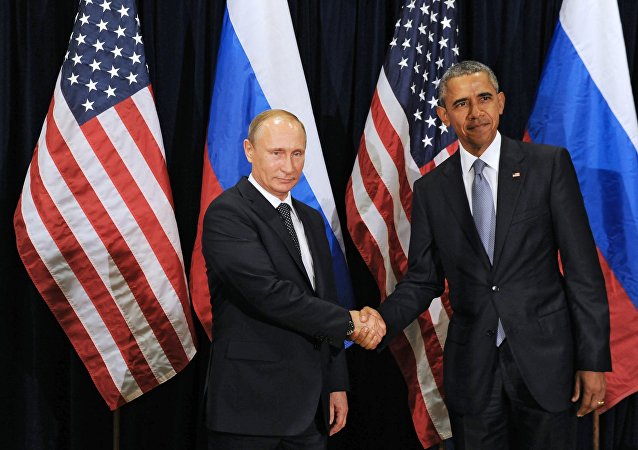 普京与奥巴马在二十国集团峰会上握手