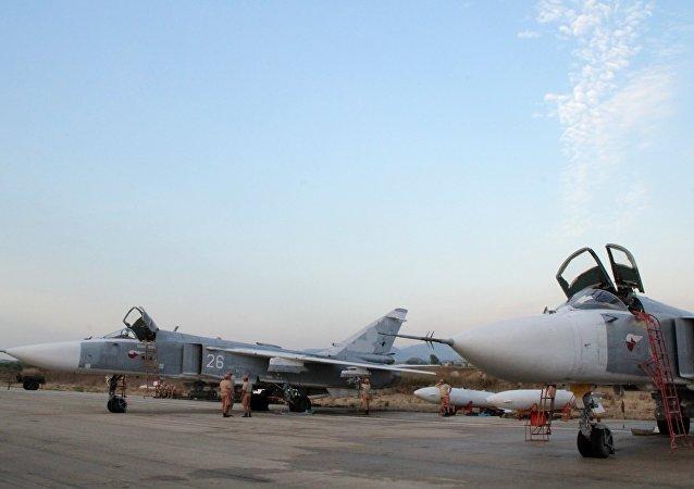 俄军空袭武装分子基地 多座武器仓库被摧毁