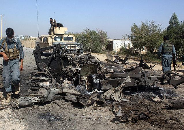 """对在阿富汗的""""无国界医生""""援助组织的空袭在医院致电美国和北约军人后又持续了一个小时"""