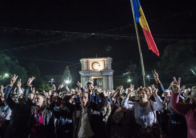 摩尔多瓦首都基希讷乌抗议和平结束