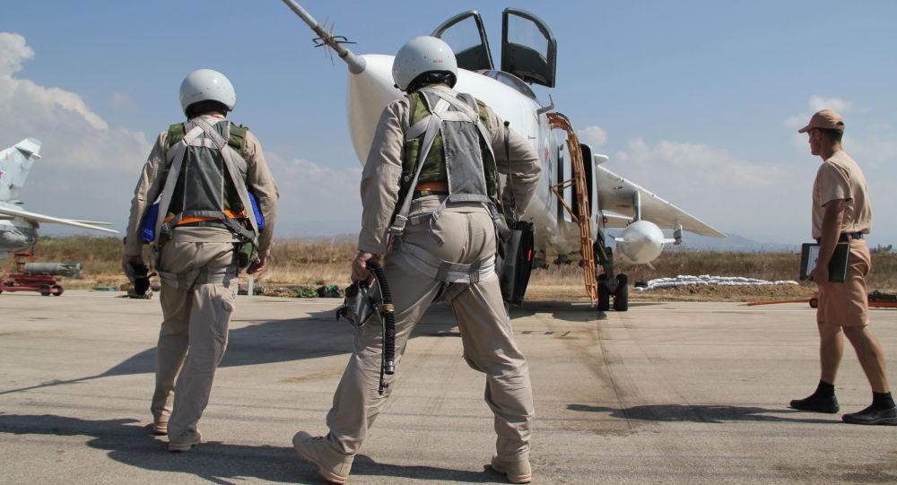 """俄战机10月6日对""""伊斯兰国""""12处设施进行空袭"""