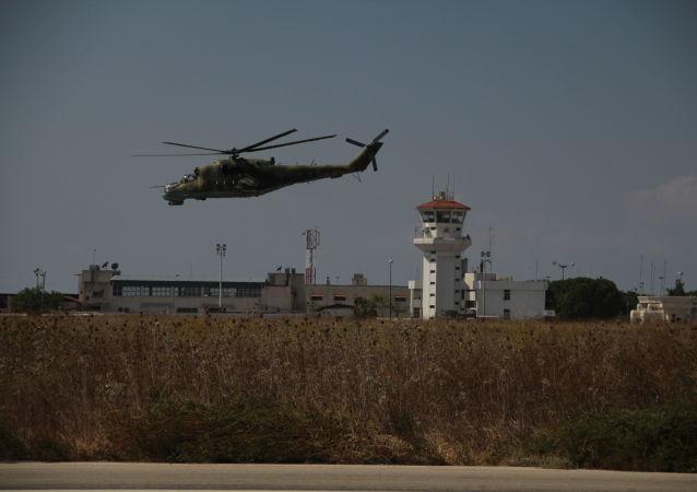 赫梅米姆的空军基地