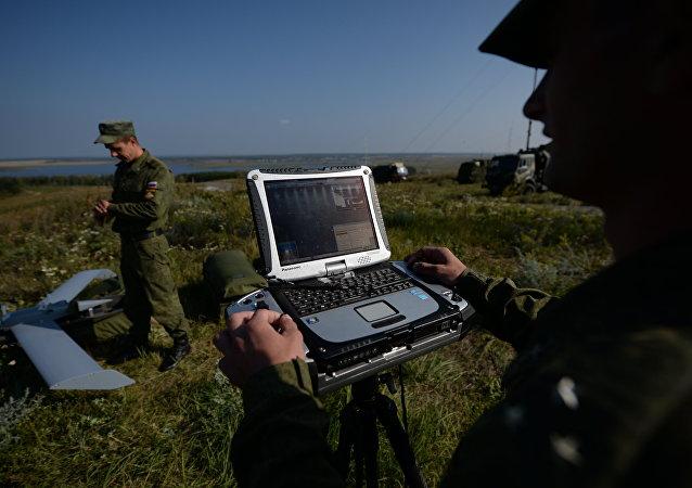 """俄国防部对""""2015创新日""""上展出的240多件新武器感兴趣"""