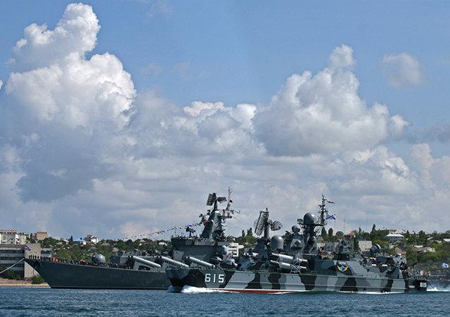 俄国防部:黑海舰队科学考察船沉没 全体船员获救