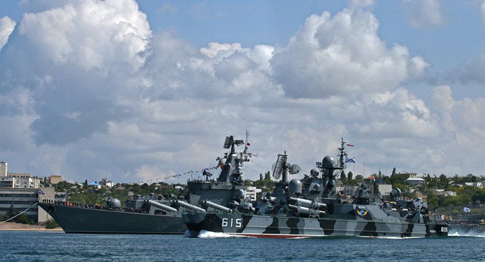 俄国防部:俄黑海舰队开始在克里米亚附近海域演习 计划将进行巡航导弹射击