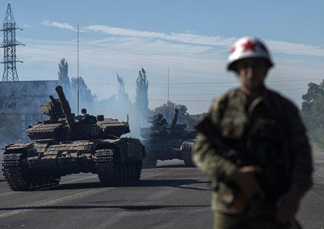 卢甘斯克州在停火稳定后开始同步后撤设备