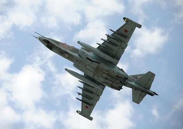 俄强击机在布里亚特演习中消灭假想敌装甲车