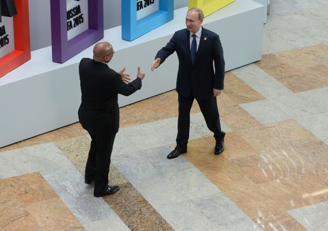 中方高度赞赏普京总统对中方举办金砖厦门会晤给予的支持