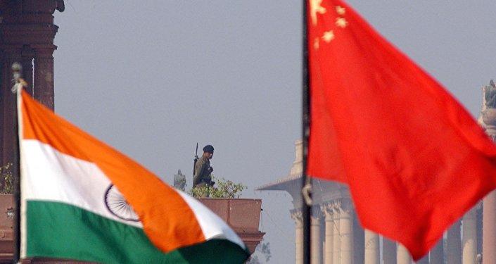 """印度外交部周一表示,经过两个多月的对峙后,中印商定""""加快""""从洞朗地区撤兵"""