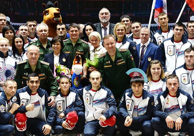 俄运动员在韩国的军事比赛中提前获胜