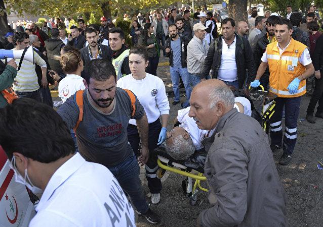 土耳其卫生部:安卡拉恐怖袭击致死人数增至86人186人受伤