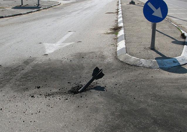 以色列军人截获一枚加沙导弹