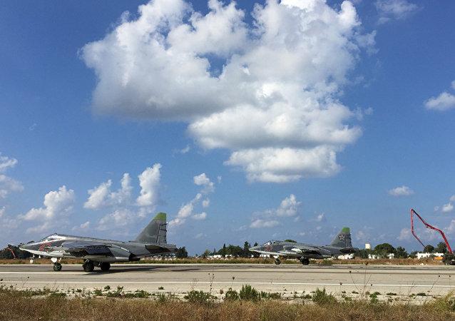 叙利亚的俄罗斯战斗空军正在为执行战斗任务做准备