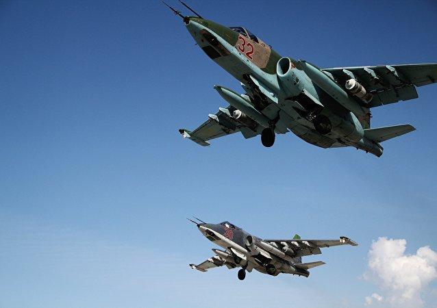 俄空天军在叙一个月执行上千次飞行任务 摧毁三千多个恐怖分子设施