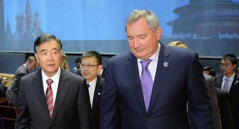 俄副总理罗戈津称,俄中已就为加快两国飞机和直升机联合项目上的工作发放优惠贷款的可能性达成一致
