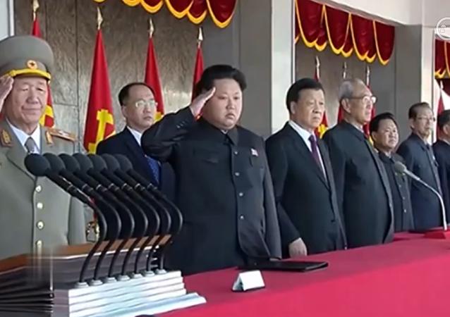 平壤阅兵庆祝劳动党建党70周年