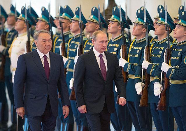 俄哈两国总统讨论双边关系和欧亚经济联盟发展