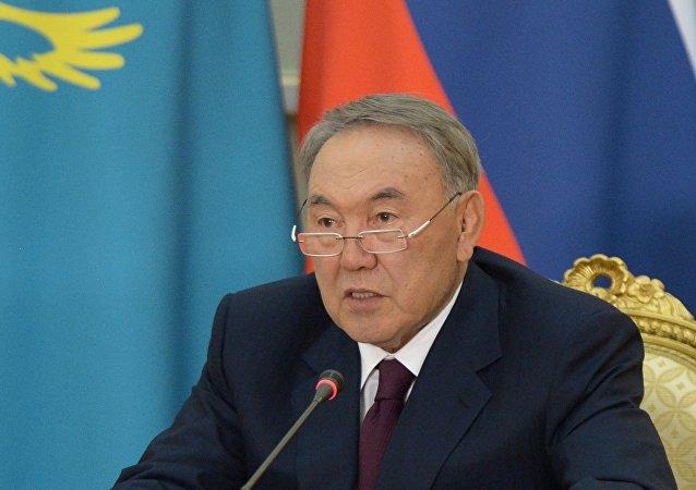"""哈萨克斯坦总统建议成立""""伊斯兰反对恐怖主义""""论坛"""