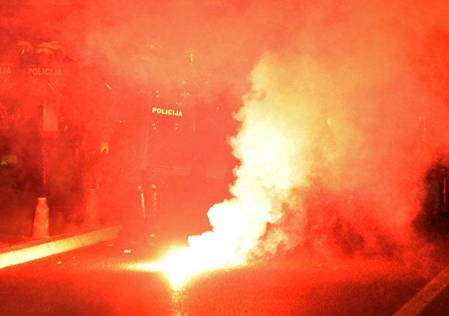 黑山反对派示威造成8人受伤