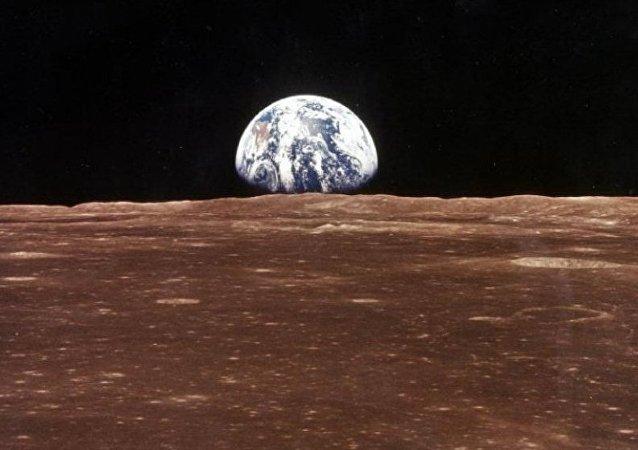 媒体:建设近月空间站的建议将在2017年提出