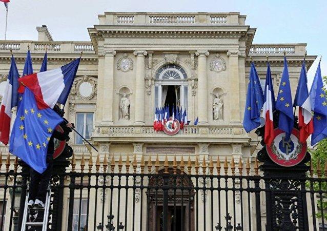 法国外长:欧盟将延长对俄制裁半年