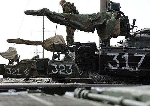 顿涅茨克共和国开始后撤口径小于100毫米武器