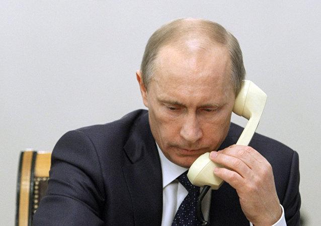 """克宫证实普京23日夜间将参加顿巴斯问题""""诺曼底模式""""电话会谈"""