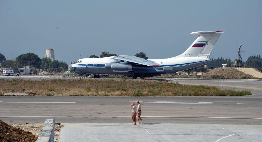 俄罗斯航空署同意AirBridgeCargo公司把从叶卡捷琳堡飞往中国两个方向的航班增加3倍,即飞往郑州的航班从每周3趟增加到13趟,飞往成都的航班从每周3趟增加到14趟。公司还商定大幅度增加从新西伯利亚飞往成都的航班数量:从每周3趟增加到14趟。从新西伯利亚、哈巴罗夫斯克、克拉斯诺亚尔斯克飞往中国其它地区的航班数量也小幅度增加(分别从每周7趟增加到8趟,从1趟增加到7趟,从7趟增加到14趟)。此外,还商定大幅度增加从莫斯科飞往5个中国城市的航班数量(增加到每周14趟)。 Aviacon Zitotran