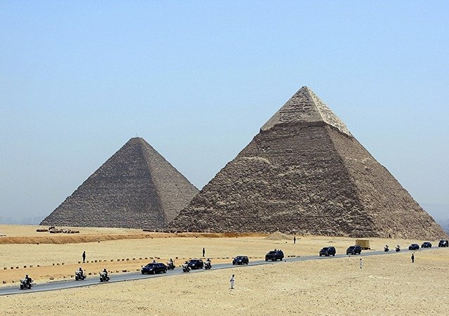 捷克考古学家在埃及发现了4500多年前的船只