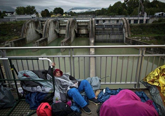 东欧国家民众反对接收难民