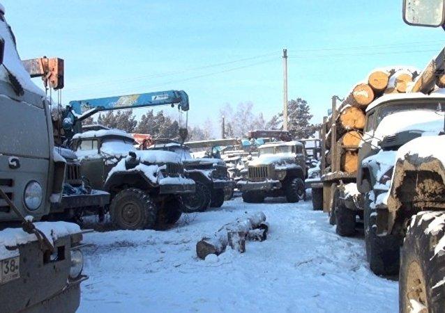 俄伊尔库茨克州宣判团伙抢劫中国木材采运员案