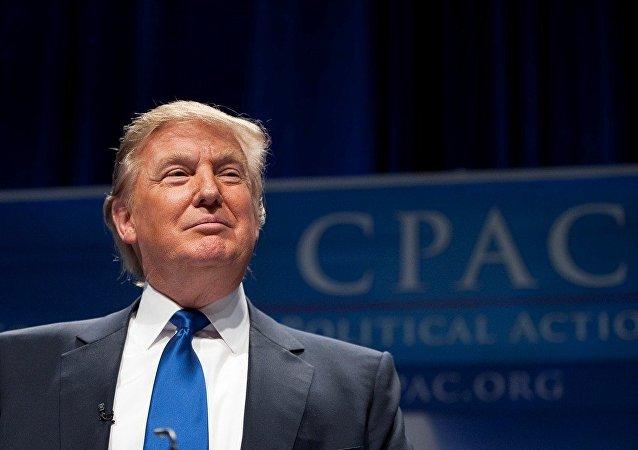 特朗普称将准备邀请普京到华盛顿